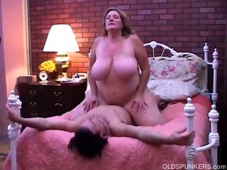 Beautiful mature BBW loves..