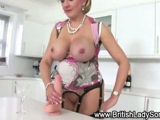 Mature fake blond british..