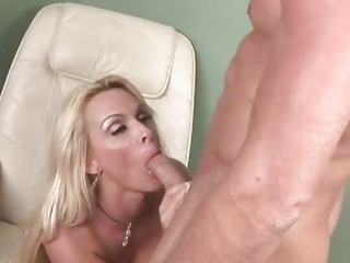 Horny MILF gets pussy..