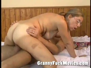 Real old granny playing..