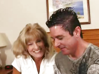 Horny gilf Cam sucking a..
